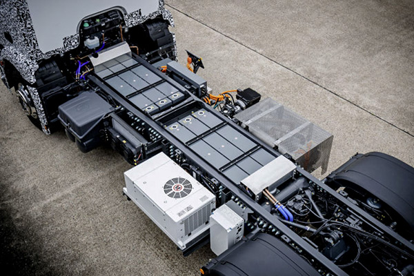 Mercedes-Benz Urban eTruck batteries